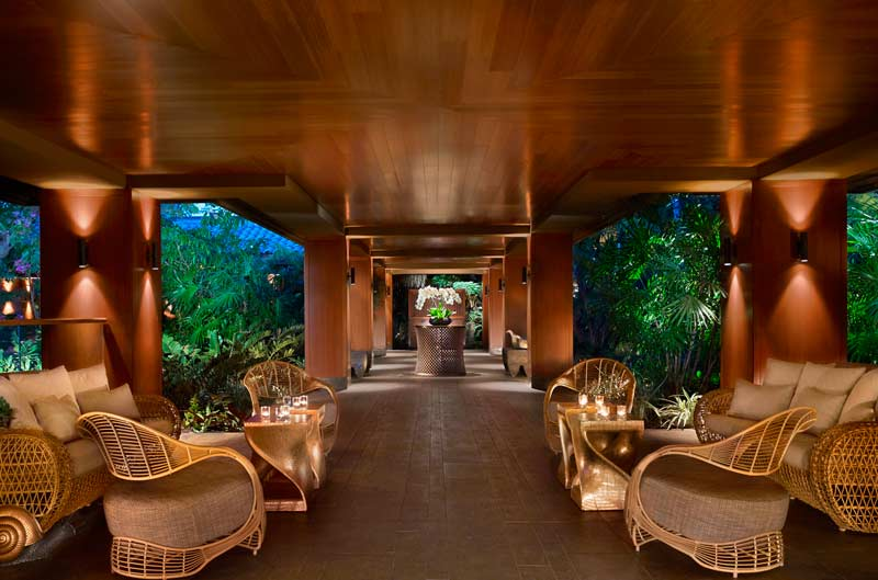 Four-Seasons-Lanai-Lounge